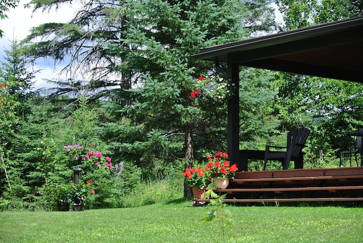 Riviera Cottage 10 minutes from Tremblant