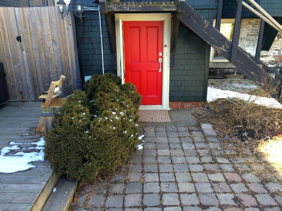 Entrance - Look for the Red Door