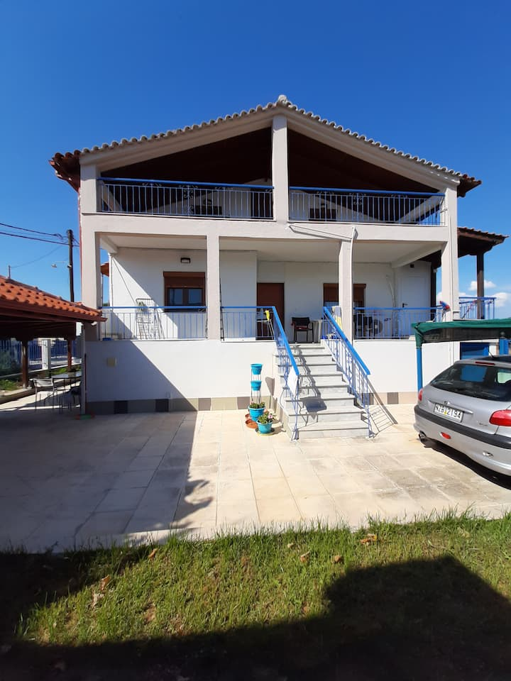 90 meters from the sea,with great view!!!!!