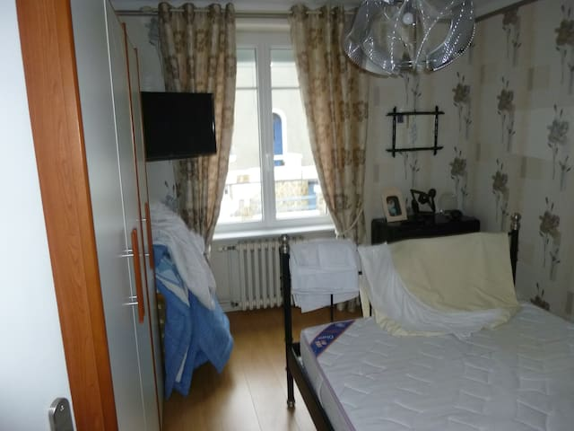 MAISON - Brest - Bed & Breakfast
