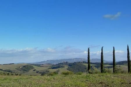 Myrthle db. : Tuscany near Volterra - Bed & Breakfast