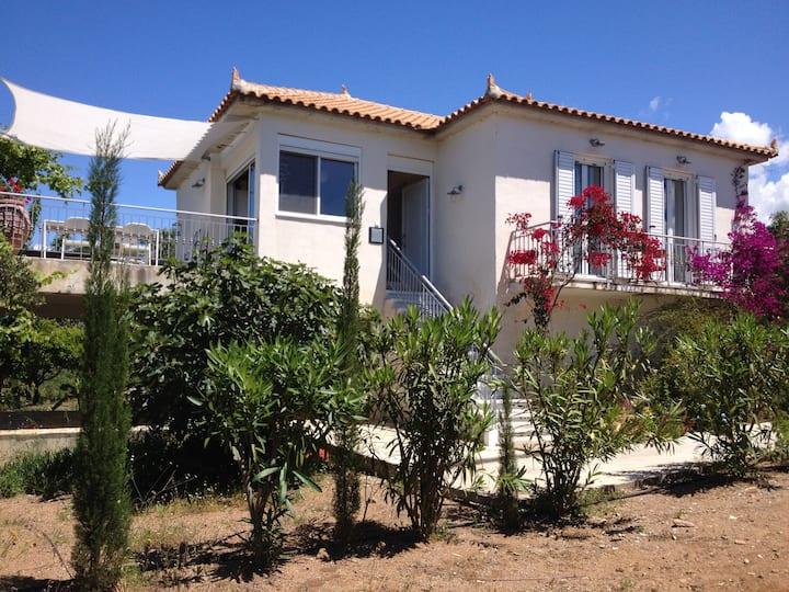 maison avec terrasse avec vue mer ionienne