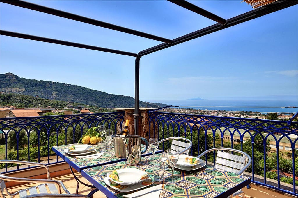 From here you can admire also the view of the islands of Ischia and Procida.