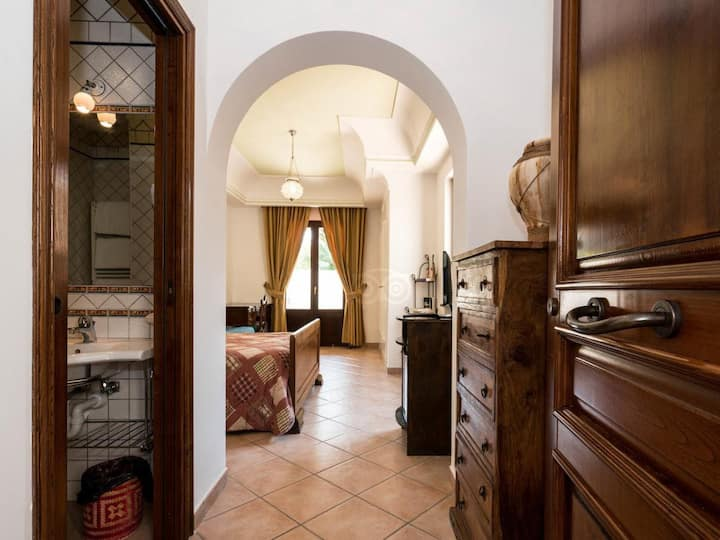 Triple room-Classic-Ensuite with Shower-Garden View