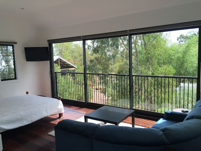 Treehouse Granny Flat, detached - Swan View - Cabana en un arbre