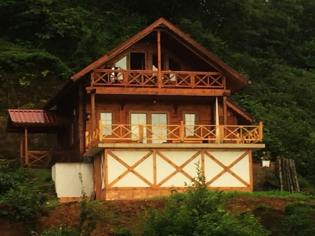DİVAN  WOODEN HOUSE