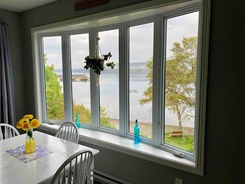 Spacious ocean view apartment with private beach