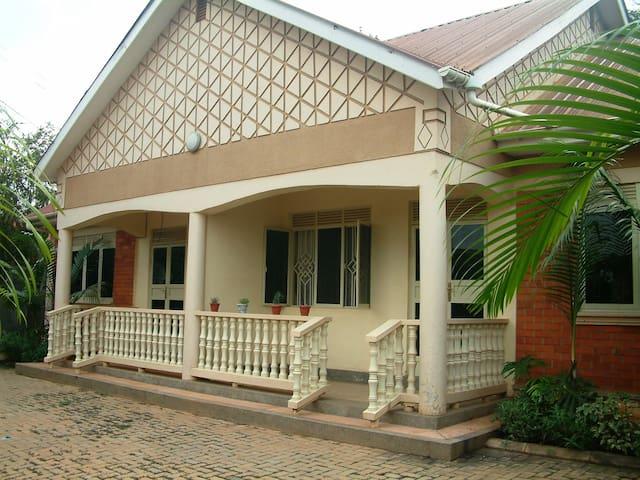 Andre's Residence