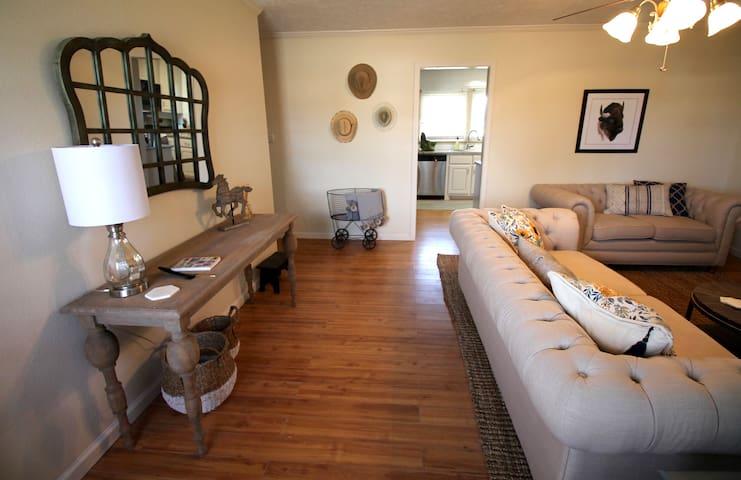 The Shabby Chic Nest in Olsen - Amarillo - House