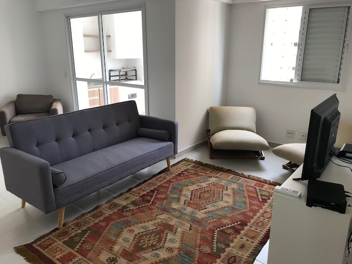 Furnished and roomy apto, in geat location!