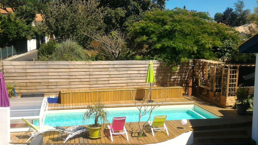 Ocean, wood, private swimming pool near Bayonne