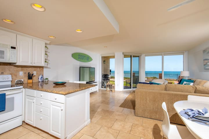 Bright, Beachy & Beautiful Oceanfront Condo