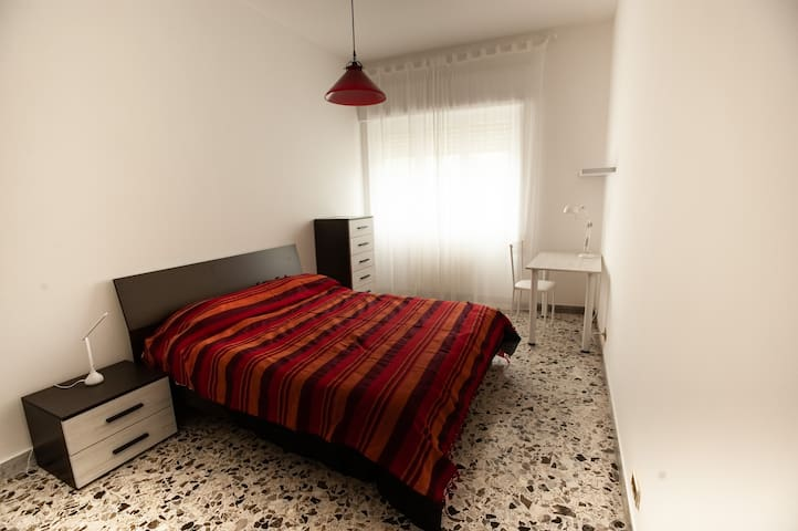 Double bed room near Metro C Malatesta #1