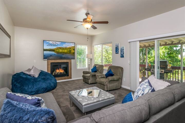 Alta View, Luxury Home in Draper, Close to Ski Resorts w/ Hot Tub