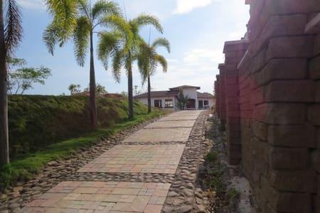 STUDIO, Quinta SOLYMAR,BnB - Barranca - ที่พักพร้อมอาหารเช้า
