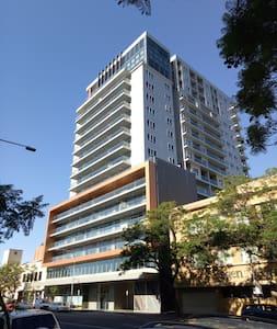 Modern CBD Studio Apartment - Adelaide - Huoneisto