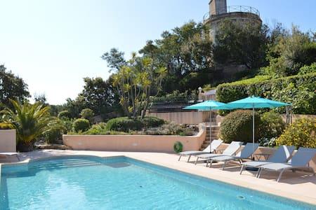 Villa lumineuse à Sainte-Maxime avec piscine privée