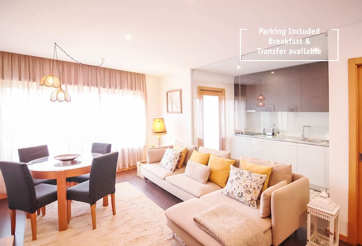 HM - My Yellow Apartment