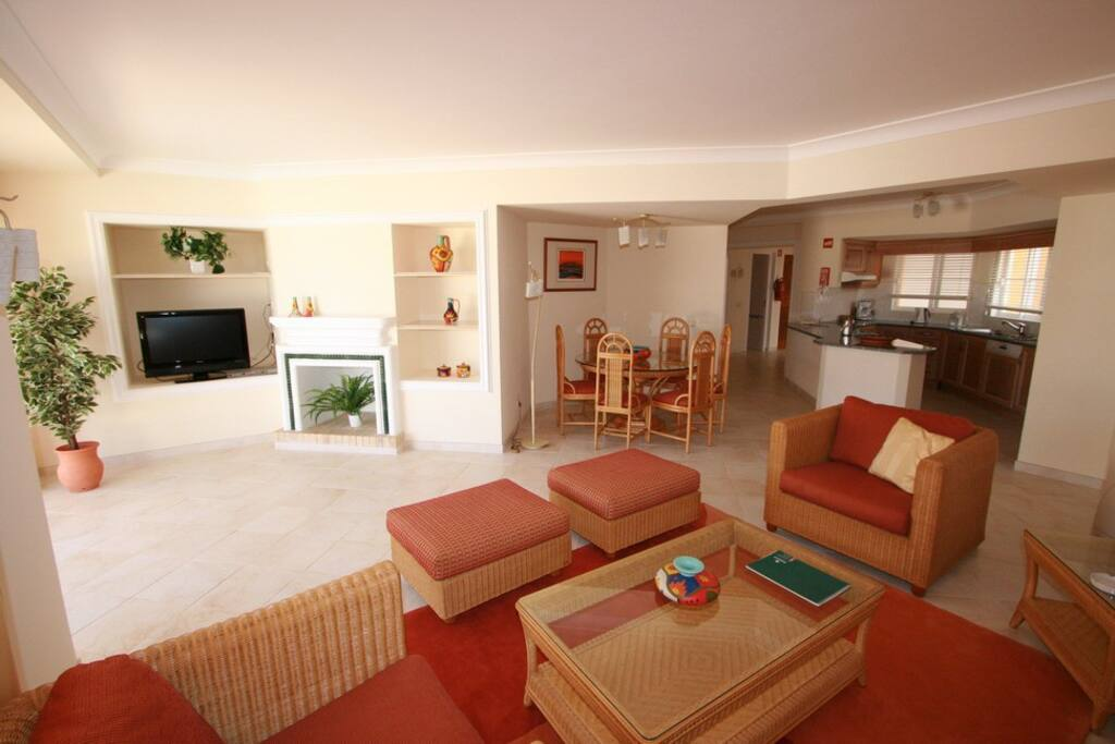 Large living room and an open plan kitchen