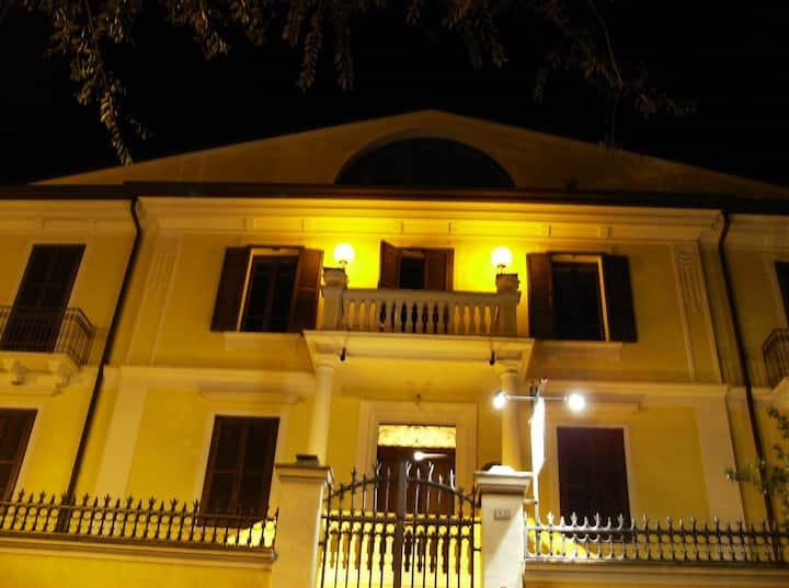 Accogliente Villa in stile liberty