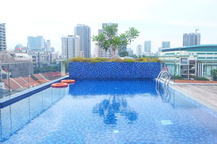 Newly and cozy 2BR condo 2mins to Farrer park mrt.