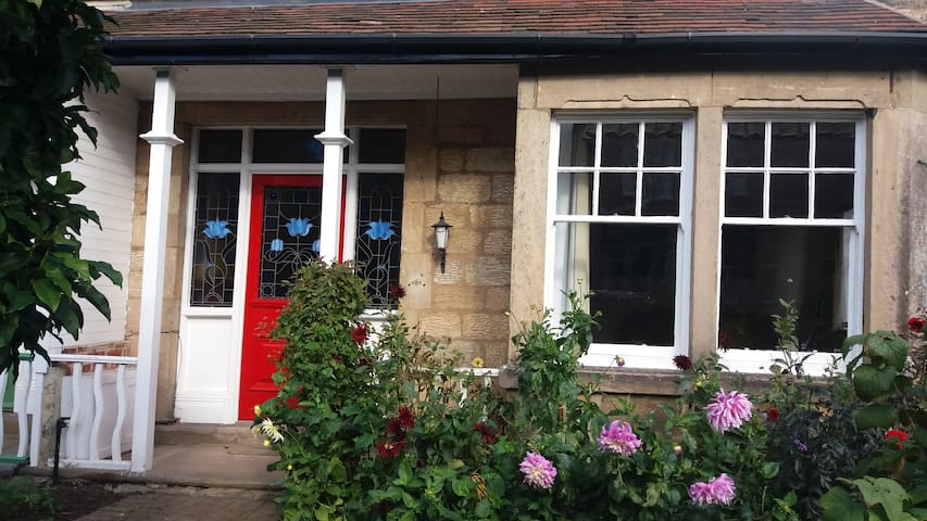 Edwardian semi, convenient location - Knaresborough - Dom