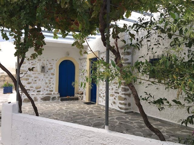 Traditional house in South Creta - Άγιος Βασίλειος - Huis