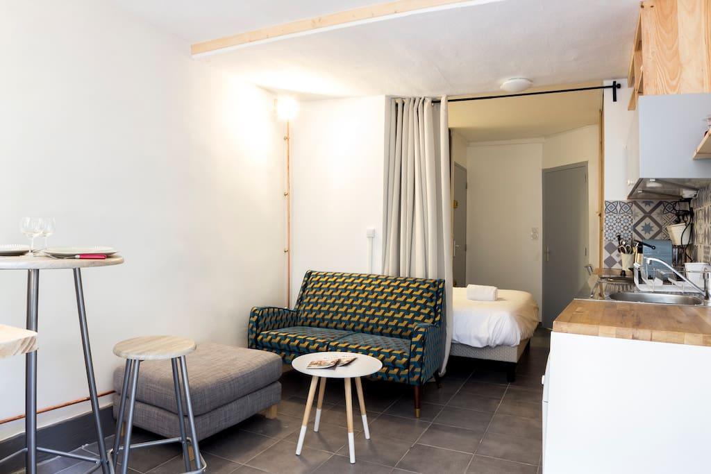 en plein coeur du vieux lyon proche m tro appartements louer lyon auvergne rh ne alpes. Black Bedroom Furniture Sets. Home Design Ideas