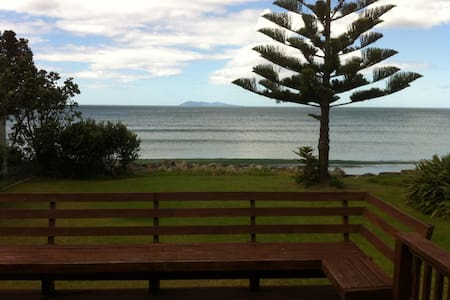 Waihi Beach front retreat home