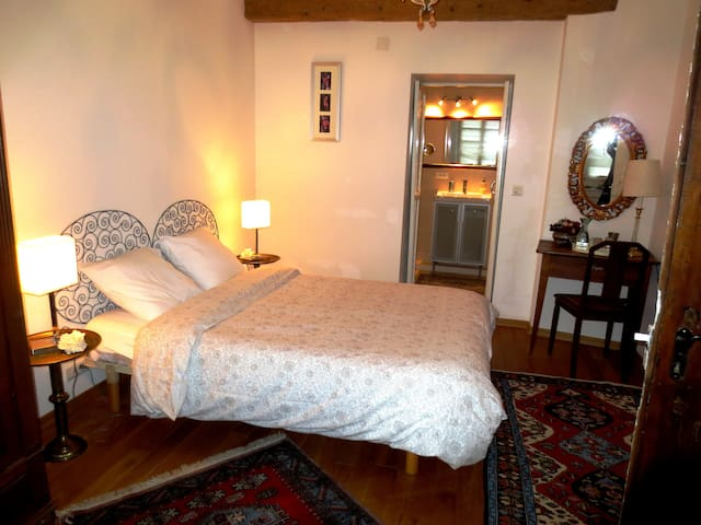 Relax in romantic B&B near Basel  - Ferrette