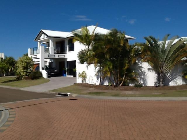 My family resort - Parrearra - บ้าน