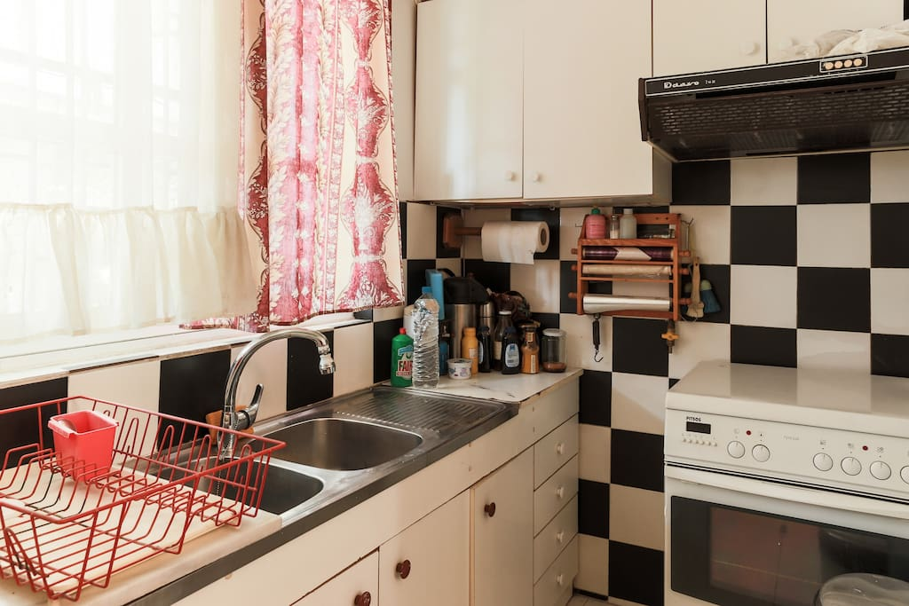 Fully equiped kitchen, stove and oven for preparing your meals