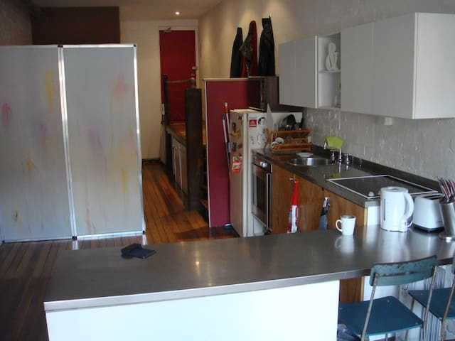 Awesome warehouse flat in city - Redfern - Pis