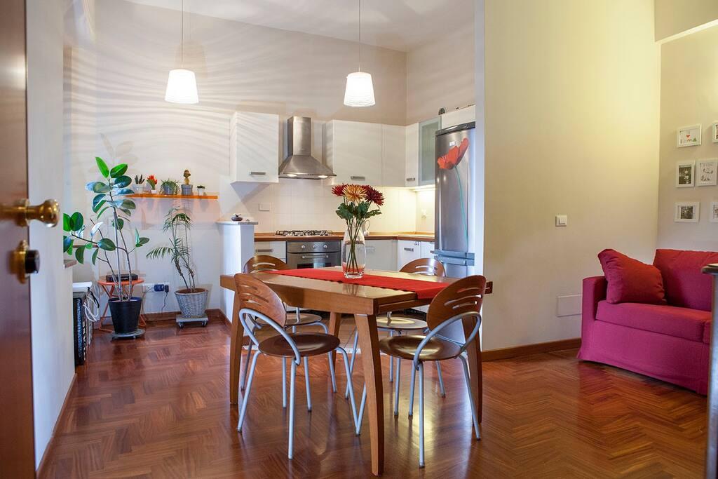 wohnung im zentrum von rom wohnungen zur miete in rom latium italien. Black Bedroom Furniture Sets. Home Design Ideas
