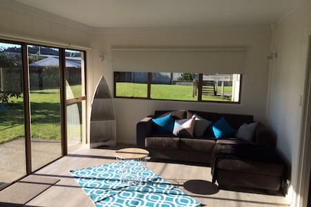 A beach view  self-contained apart. - Whitianga - Dom