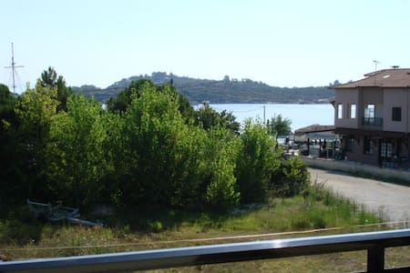 ORMOPANAGIA sleeps 6,steps to sea 2 - Halkidiki