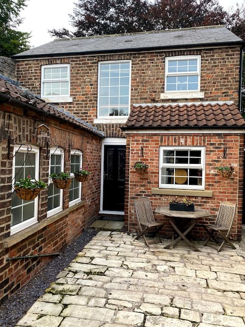 The Old Stables - Private, cosy & quiet home.
