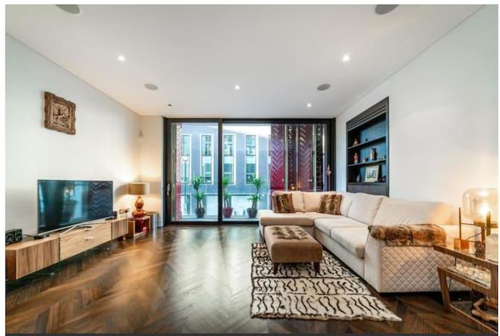 Luxury 2 Bedroom Apartment in Mayfair