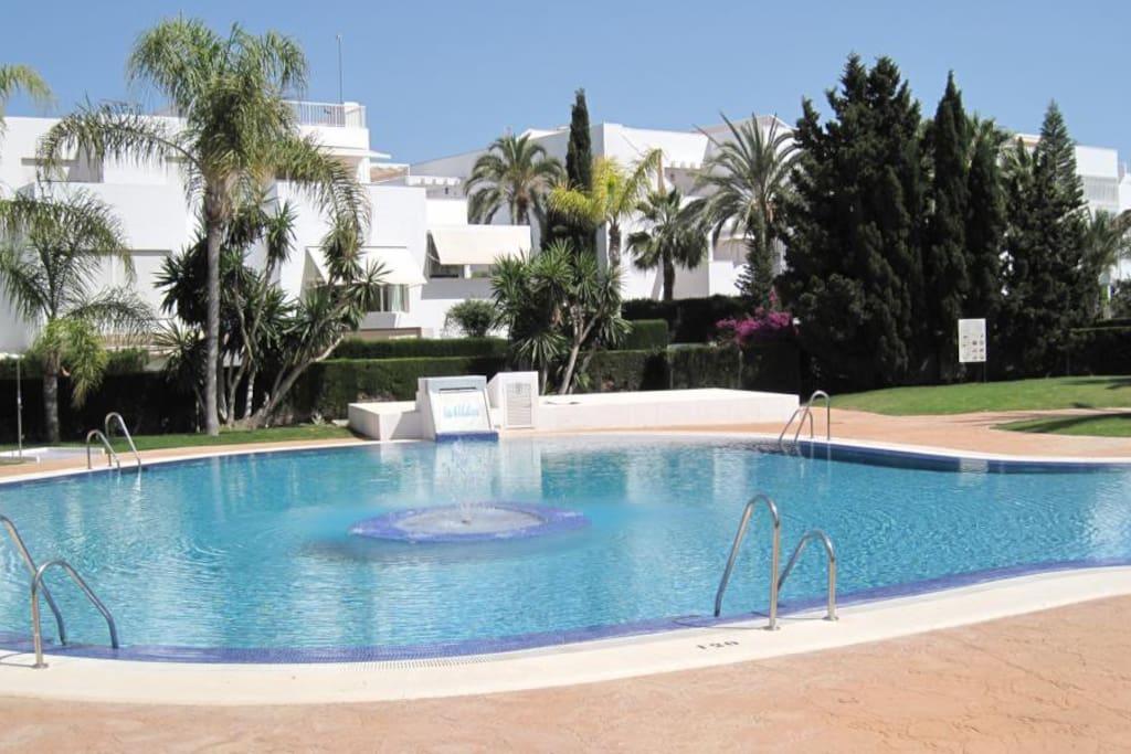 Apartamento en vera playa almeria apartamentos en alquiler en puerto rey andaluc a espa a - Apartamentos almeria ...
