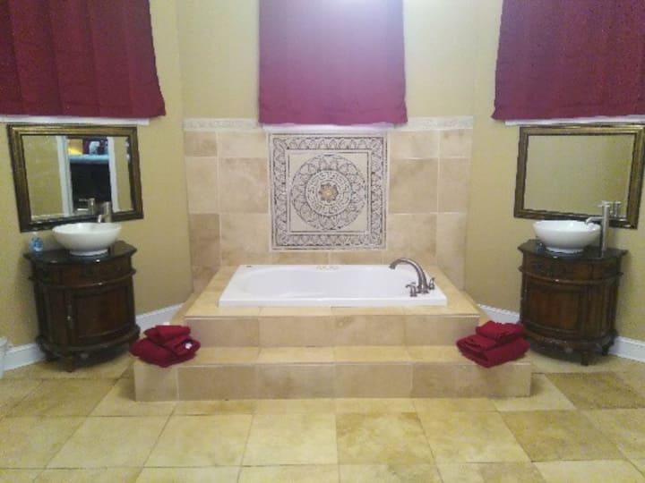 Ward House master suite - private apt. w/ kitchen