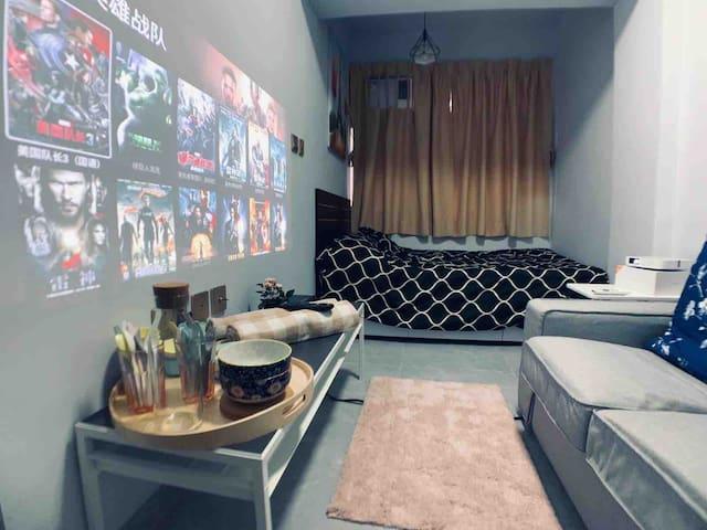 【全新裝修 裝置投影器 是你的小影院】灣仔舒適便利房子 五分鐘到時代廣場/地鐵站/希慎廣場/SOGO