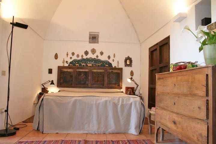 Titta bedroom matrimoniale
