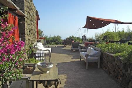 Pantelleria B&B Titta&Toto - Titta - Pantelleria