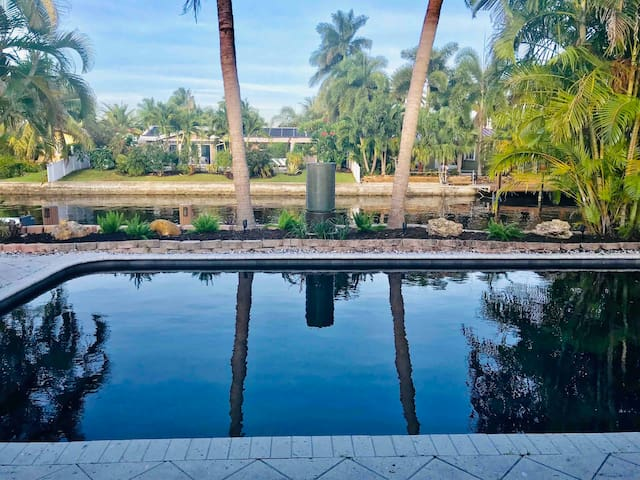 Enjoy your peaceful and serene vacation in style and elegance in famous Wilton Manors at Wilton Palms