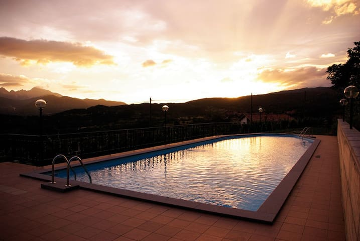Wonderful duplex, Pool & Terrace - Castiglione di Garfagnana - アパート