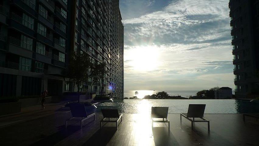The Relaxing Room@Lumpini Park Beach Jomtien.