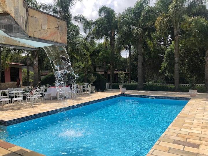 Chácara c/ piscina, ideal p/ descansar ou eventos