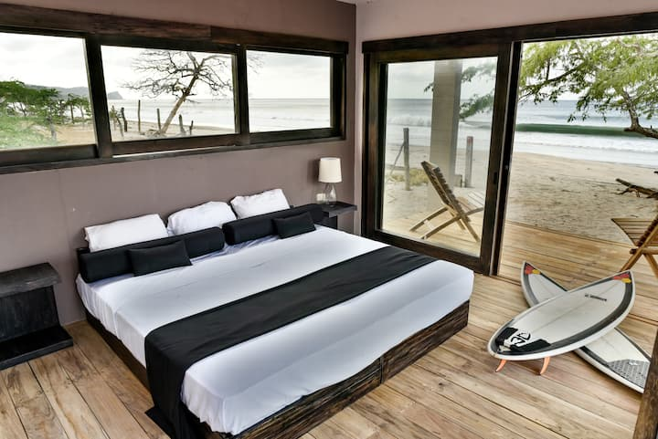 99 Surf Lodge, Ocean Suite 1, Playa Popoyo