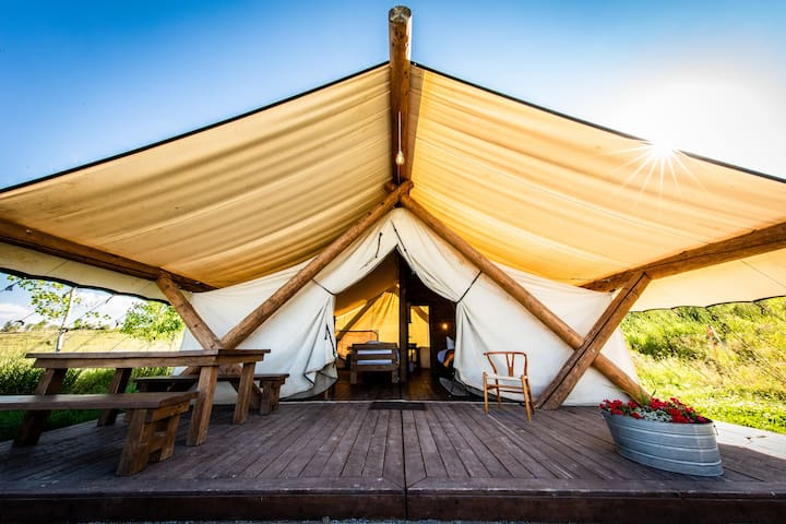 Grand 6-Person Glamping Tent
