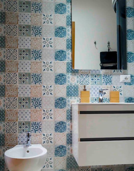bagno privato interno ceramica siciliana